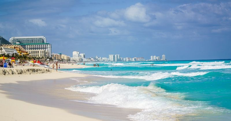 Why Not Visit Amazing Cancun for a Liposuction Treatment