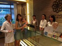 Nirunda Infinity Skin Clinic - Bangkok - staffs always ready to give an advice is a professional