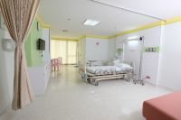 Yanhee Hospital -Bangkok - Inside The recovery room