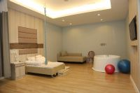 Samitivej Hospitals Sukhumvit Branch - Bangkok-The recovery room has fully furnished such as TV, ref