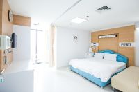 Yanhee Hospital -Bangkok - Patient room