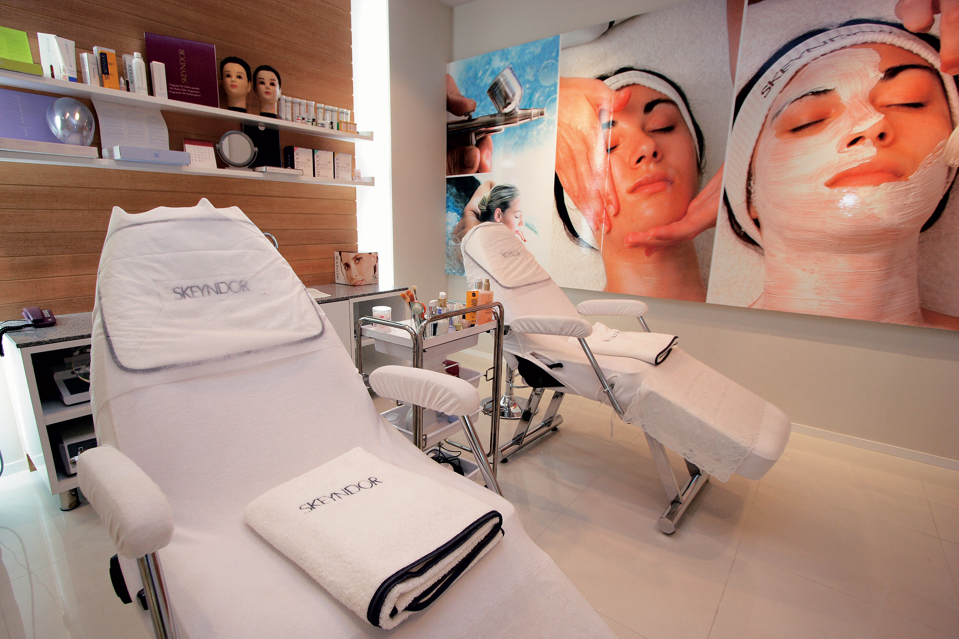 Skeyndor Cosmetic and Wellness Clinic (Q House Lumpini Satorn)