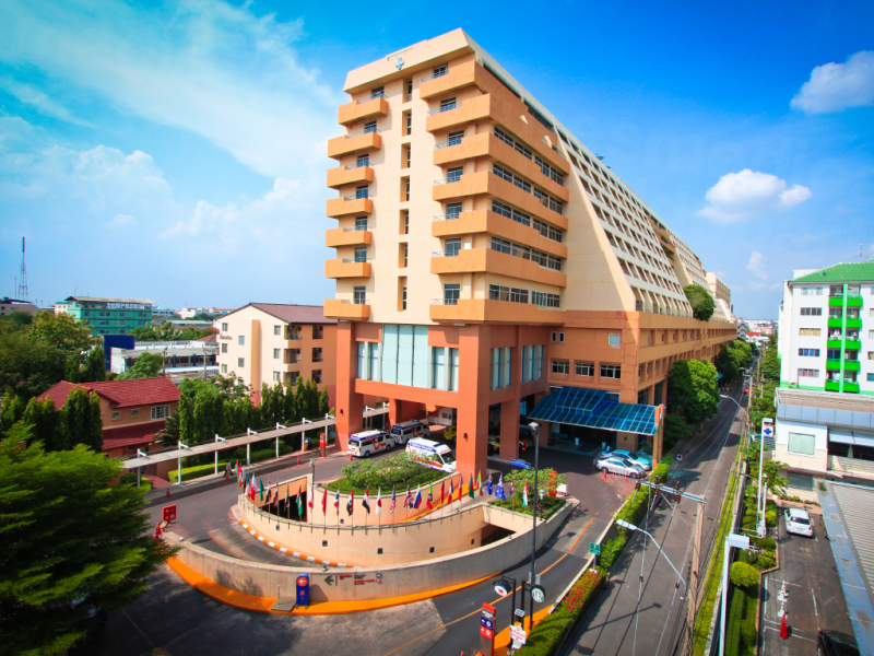 Vejthani Hospital - Medical Clinics in Thailand