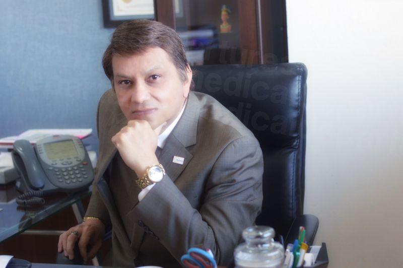 Dr. Arturo Muñoz