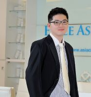 Dr. Low Hong Chen