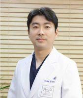 Dr.Hyun Seok, Song