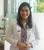 Dr.Kadek Batasuari