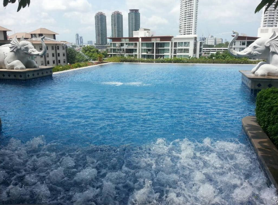 Baan Sathorn River and Pool view